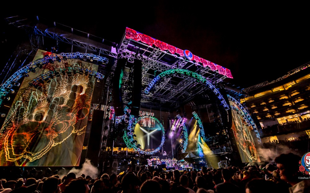 Pulse Lighting @ Grateful Dead 50, Fare The Well · Levi's Stadium, Santa Clara, CA · Jun 2015 · Photo ©Joshua Timmermans